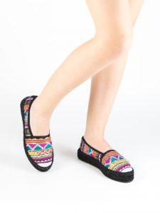 zapatos estampados plana