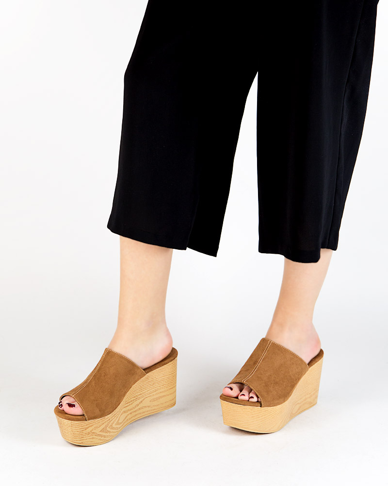 sandalia de cuna de madera